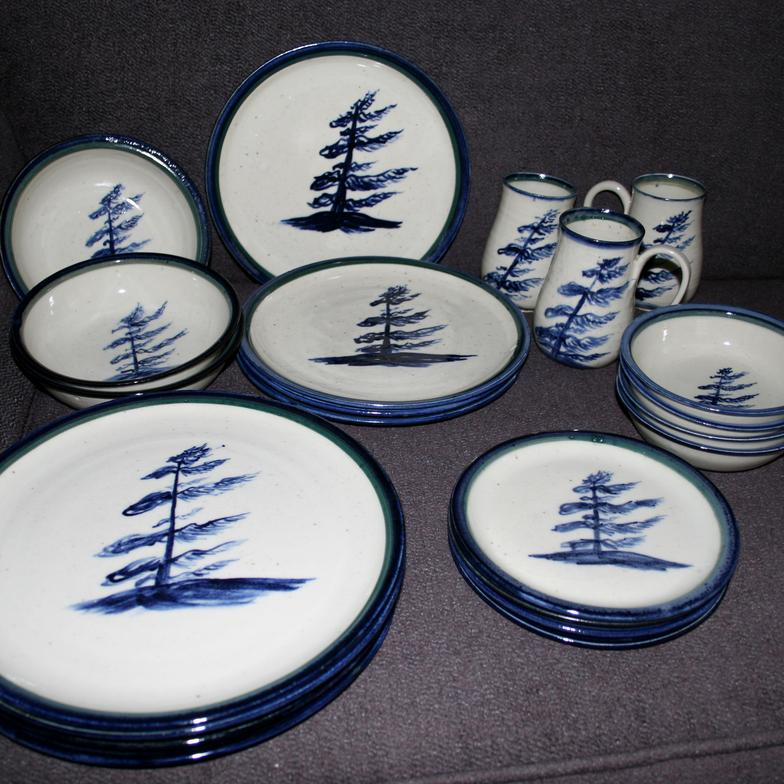 & Dinnerware and table ware